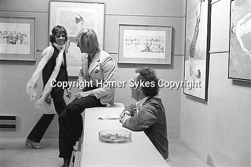 Patrick Procktor artist London 1969. April 22nd 1969 Opening night of his show at the Redfern Gallery, Cork Street London. Ossie Clark, Peter Hinwood, Patrick Proctor. My ref 12/15 1969