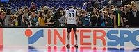 Handball - All Star Game 2014 am 01.02.2014 in der Arena Leipzig (Sachsen). Wie bereits in den Vorjahren misst sich die Handball Nationalmannschaft mit einer Auswahl von Spielern der DKB Handball-Bundesliga. <br /> IM BILD: Dominik Klein ist einer der wenigen Nationalspieler, die nach dem Spiel Autogramme geben. <br /> Foto: Christian Nitsche