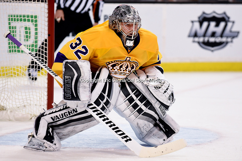 Tuesday, February 9, 2016: Los Angeles Kings goalie Jonathan Quick (32) waits for play to begin during the National Hockey League game between the Los Angeles Kings and the Boston Bruins, held at TD Garden, in Boston, Massachusetts. The Kings defeat the Bruins 9-2. Eric Canha/CSM