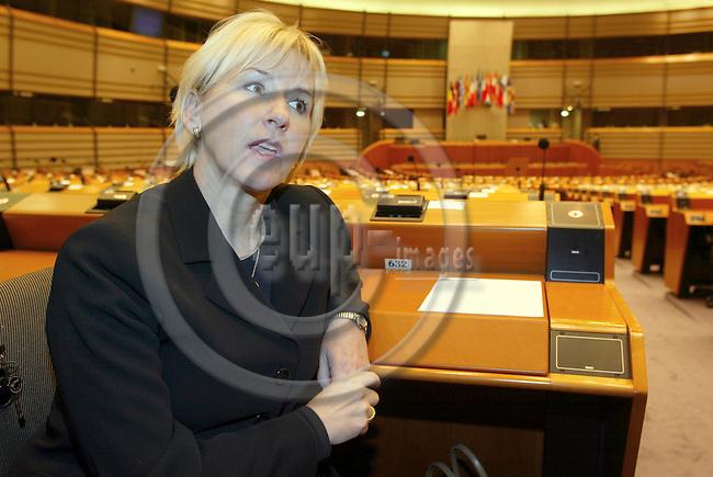BRUSSELS - BELGIUM - 27 February 2002--The Swedish Commmissioner for Environment Mrs. Margot WALLSTR?M (Wallstrom, Wallstroem) in the EU-Parliament. --PHOTO: JUHA ROININEN / EUP-IMAGES