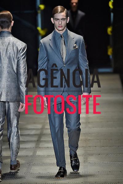 Versace<br /> Milao Masculino- Inverno 2015<br /> <br /> <br /> foto: FOTOSITE
