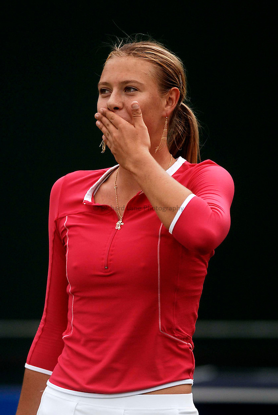 Photo: Glyn Thomas..DFS Classic Tennis final..Edgbaston Priory Club, Birmingham. 12/06/2005..Maria Sharapova blows kisses to the crowd following her three set victory over Jelena Jankovic in the final.