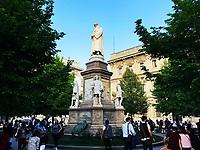Statua di Leonardo da Vinci in P.zza della Scala a Milano 2018. © Leonardo Cendamo