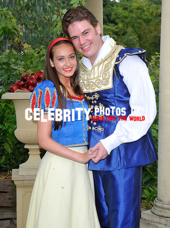 Milton Keynes Theatre regional press launch at Frosts Garden Centre in Woburn Sands for their Pantomime Snow White and the Seven Dwarfs (06 Dec – 12 Jan) cast including Warwick Davis, Jennifer Ellison, Shaun Dalton and Kate Stewart