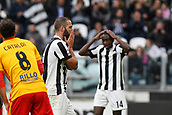 5th November 2017, Allianz Stadium, Turin, Italy; Serie A football, Juventus versus Benevento; Gonzalo Higuain reacts after missing a good chance