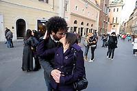 Roma 25 marzo 2009.Piazza San Lorenzo in Lucina.Invest in your Love.Un Bacio di massa contro la crisi economica.A Kiss of mass against the economic crisis