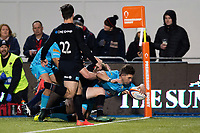 Wynand Olivier of Worcester Warriors scores a try in the second half. Premiership Rugby Cup match, between Saracens and Worcester Warriors on November 11, 2018 at Allianz Park in London, England. Photo by: Patrick Khachfe / JMP