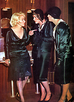 Some Like It Hot (1959)<br /> Marilyn Monroe, Jack Lemmon, Tony Curtis<br /> *Filmstill - Editorial Use Only*<br /> CAP/KFS<br /> Image supplied by Capital Pictures