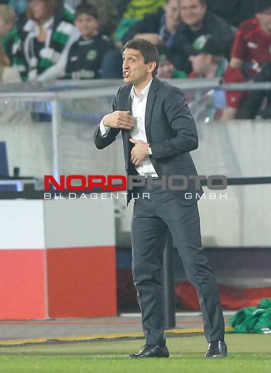 10.04.2015, HDI Arena, Hannover, GER, 1.FBL, Hannover 96 vs Hertha BSC, im Bild Tayfun Korkut (Trainer Hannover 96)<br /> <br /> Foto &copy; nordphoto / Frisch
