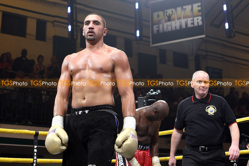 Matt Skelton (red shorts) defeats Ali Adams - QF1 - Prizefighter 'The Heavyweights IV' Boxing Tournament at York Hall, Bethnal Green, promoted by Matchroom Sports - 09/10/10 - MANDATORY CREDIT: Gavin Ellis/TGSPHOTO - Self billing applies where appropriate - Tel: 0845 094 6026