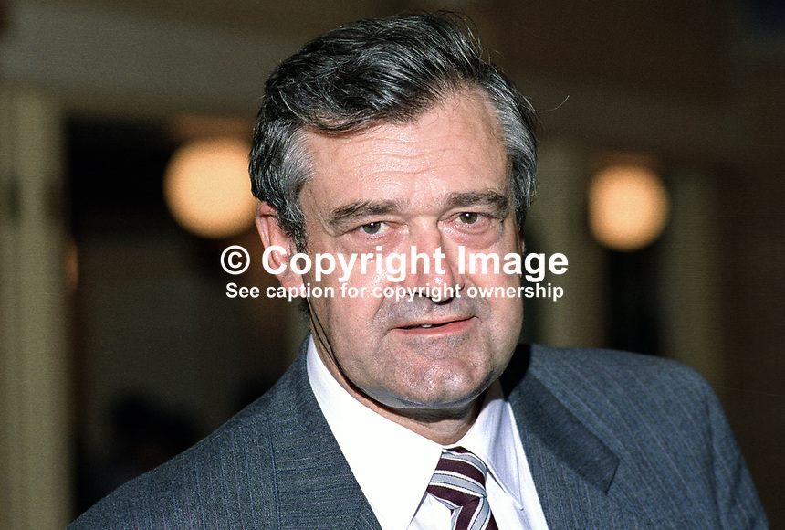 Terry Davis, MP, Labour Party, UK, taken annual conference, October 1992, 19921012TD..Copyright Image from Victor Patterson, 54 Dorchester Park, Belfast, UK, BT9 6RJ..Tel: +44 28 9066 1296.Mob: +44 7802 353836.Voicemail +44 20 8816 7153.Skype: victorpattersonbelfast.Email: victorpatterson@me.com.Email: victorpatterson@ireland.com (back-up)..IMPORTANT: If you wish to use this image or any other of my images please go to www.victorpatterson.com and click on the Terms & Conditions. Then contact me by email or phone with the reference number(s) of the image(s) concerned.