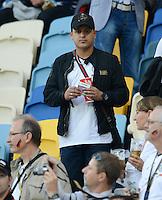 FUSSBALL  EUROPAMEISTERSCHAFT 2012   VORRUNDE Deutschland - Portugal          09.06.2012 Mutlu Oezil (Brunder von Mesut) zu Gast auf der Tribuene