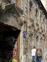 sanierungsbed&uuml;rftiges Haus am Kollarovo nam., Bratislava, Bratislavsky kraj, Slowakei, Europa<br /> House in need of redevelopment at Kollarovo nam., Bratislava, Bratislavsky kraj, Slowakia, Europe