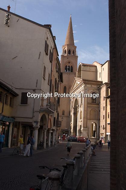 Looking up a narrow street to the Basilica Sant' Andrea, Mantua.