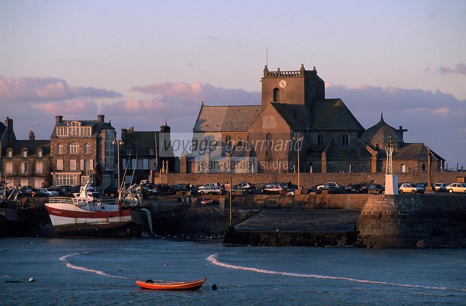 Europe/France/Normandie/Basse-Normandie/50/Manche/Barfleur: Le port et l'église Saint-Nicolas (XVIIème)