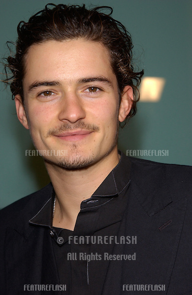 Actor ORLANDO BLOOM at the Los Angeles premiere of his new movie The Lord of the Rings: The Two Towers..15DEC2002.   © Paul Smith/Featureflash
