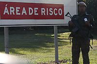 GUARULHOS, SP, 09.06.2014 - COPA 2014 - EXERCITO / SEGURANÇA - Homens do exército são vistos na Rodovia Helio Smidt  em Guarulhos na manha desta segunda-feira, 09. (Foto: William Volcov / Brazil Photo Press).
