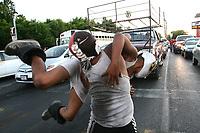 Dos o Tres caidas sin limete....<br /> Dr Bacner (Jaime Fernando Gómez) vs Mascarita (Jorge Adrián Gómez)Sagrada en el cruce del Bulavar Luis Encinas y Rosales