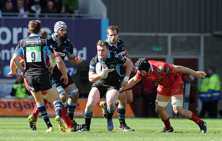Glasgow Warriors' Stuart Hogg in action during todays match<br /> <br /> Photographer Ian Cook/CameraSport<br /> <br /> Rugby Union - Guinness PRO12 Round 20 - Scarlets v Glasgow Warriors - Saturday 16th April 2016 - Parc y Scarlets - Llanelli <br /> <br /> &copy; CameraSport - 43 Linden Ave. Countesthorpe. Leicester. England. LE8 5PG - Tel: +44 (0) 116 277 4147 - admin@camerasport.com - www.camerasport.com