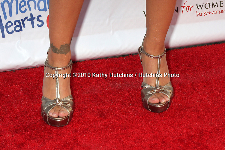 "Alyssa Milano.arrives at the Children Mending Hearts 3rd ""Peace Please"" Gala.Music Box @ Fonda .Los Angeles, CA.April 16, 2010.©2010 Kathy Hutchins / Hutchins Photo..."