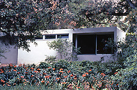 Richard Neutra: Tremaine House, Montecito, 1948. Photo '82.