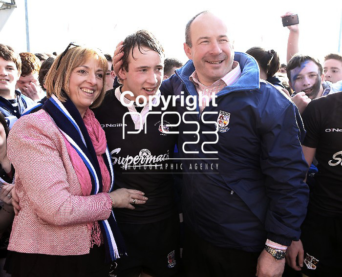 18/3/2013   Munster Rugby Schools Senior Rugby Final at Thomond Park, Limerick  between Crescent College and Rockwell College.   Winning Crescent College captain Gearoid Lyons pictured with his parents Mary and John.              Picture Liam Burke/Press 22