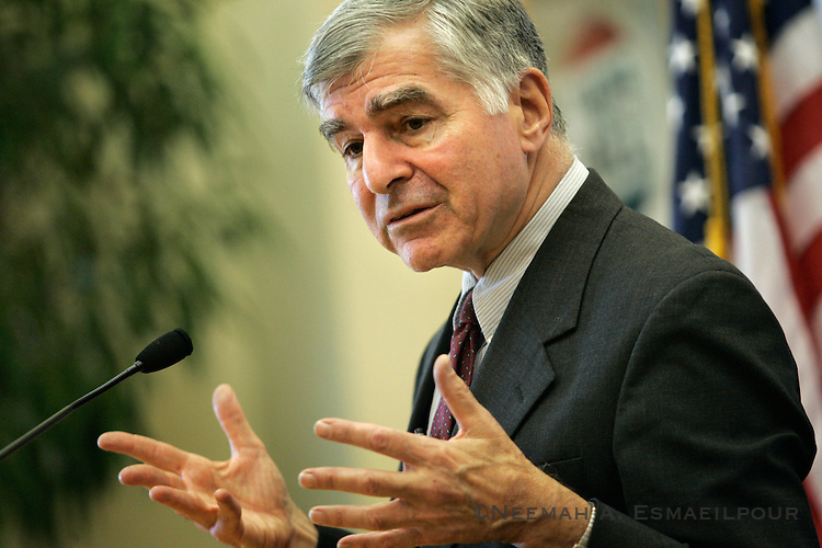 Michael Dukakis, former Massachusetts governor and 1988 presidential candidate, talks to the Clinton School of Public Service Tuesday, April 21, 2009 in Little Rock, Arkansas.