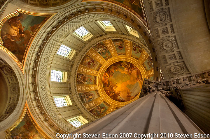 Interior view of the rotunda of Les Invalides