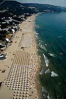 Bulgarien, Albena, Strand, Luftaufnahme vom Gleitdrachen