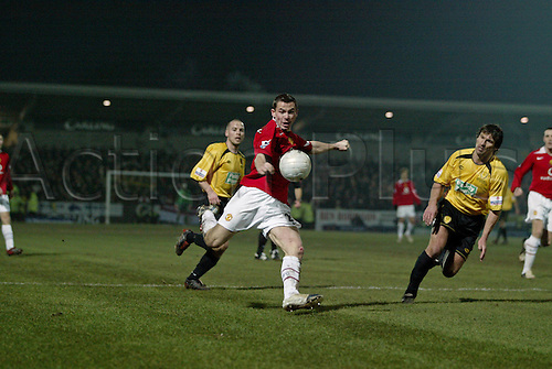 8 January 2006: Manchester United defender Phil Bardsley kicking the ball during the FA Cup 3rd round match between Burton Albion and Manchester United at the Pirelli Stadium, Burton on Trent. The match ended 0-0. Photo: Neil Tingle/actionplus..060108 man men football soccer footballer player kick