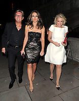 NON EXCLUSIVE PICTURE: MATRIXPICTURES.CO.UK.PLEASE CREDIT ALL USES..WORLD RIGHTS..English actress Liz Hurley is pictured on a night out in London last night...NOVEMBER 29th 2012..REF: LTN 125617 /NortePhoto