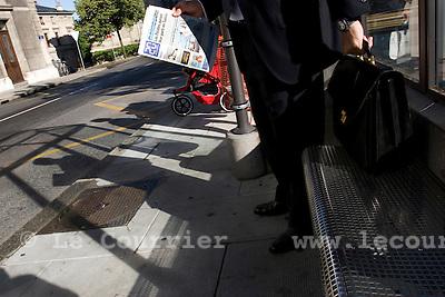 Genève, le 09.06.2009.Arrêt de bus. .© Le Courrier / J.-P. Di Silvestro