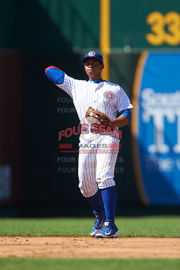 South Bend Cubs third baseman Adonis Paula (5) throws to first during the second game of a doubleheader against the Peoria Chiefs on July 25, 2016 at Four Winds Field in South Bend, Indiana.  South Bend defeated Peoria 9-2.  (Mike Janes/Four Seam Images)