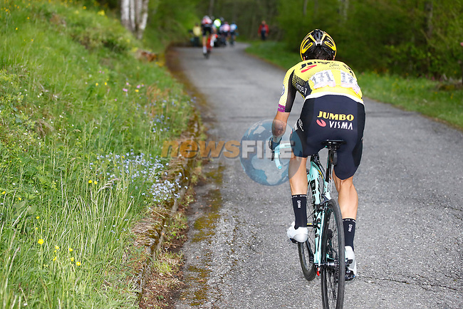 Primoz Roglic (SLO) Team Jumbo-Visma is dropped on the Mortirolo climb during Stage 16 of the 2019 Giro d'Italia, running 194km from Lovere to Ponte di Legno, Italy. 28th May 2019<br /> Picture: POOL Luca Bettini/LaPresse | Cyclefile<br /> <br /> All photos usage must carry mandatory copyright credit (© Cyclefile | POOL Luca Bettini/LaPresse)