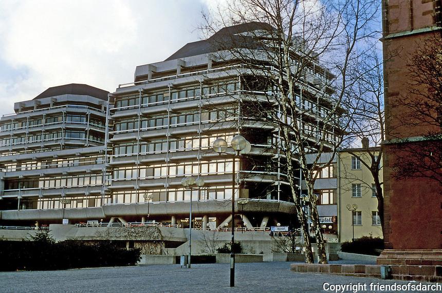 Frankfurt: New building at Domplatz. Technisches Rathaus, 1972. Bartsch, Thürwächter und Weber. Photo '87.