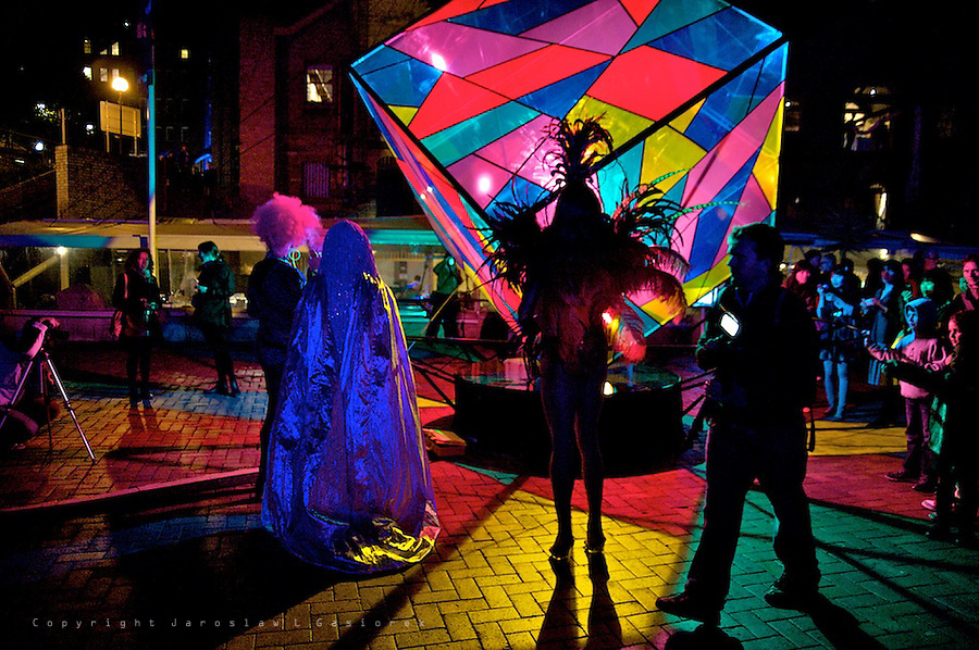 From huge 3D mapped projections on Sydney Opera House, Customs House and Museum of Contemporary Art Australia to interactive light art sculptures, giant glowing dandelions, fibre optic sea grass and animatronic dancing lamps, this year's lighting at Vivid Sydney once again transform Sydney into a colourful playground of light.