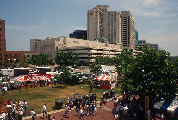 1995 June 05..Redevelopment.Downtown South (R-9)..HARBORFEST.FRIDAY NOON ACTIVITY.OTTER BERTH ACTIVITY...NEG#.NRHA#..