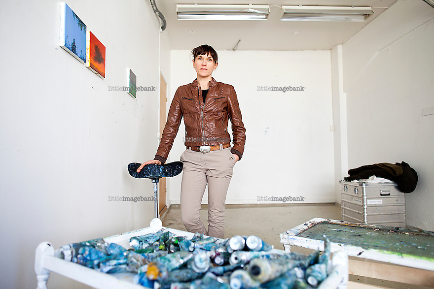 Oslo, Norge, 03.04.2012. Billedkunstner Ingeborg Stana er kritisk til bruken av midler i kulturrådet. Foto: Christopher Olssøn.