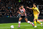 Nederland, Eindhoven, 31 maart 2012.Eredivisie.Seizoen 2011-2012.PSV-VVV 2-0.Memphis Depay van PSV in duel om de bal met Michael Timisela van VVV