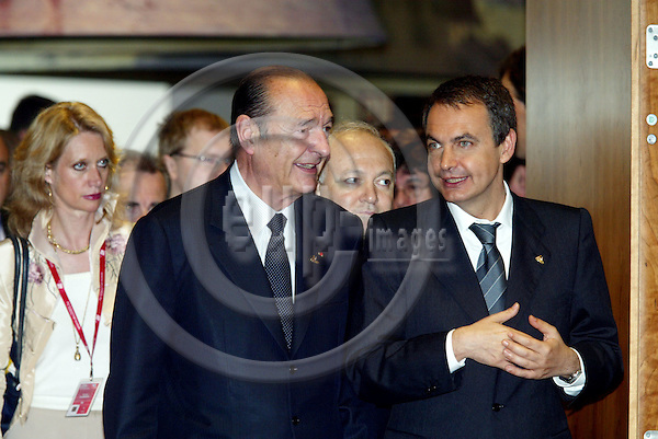 BRUSSELS - BELGIUM - 17 JUNE 2005 -- EU SUMMIT.--Jose Luis Roriguez ZAPATERO(R), Spanish Prime Minister, Jacques CHIRAC(L), President of France, and Miguel Angel MORATINOS(M) the Spanish Minister for Foreign Affirs. PHOTO: ERIK LUNTANG / EUP-IMAGES..
