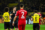 10.11.2018, Signal Iduna Park, Dortmund, GER, 1.FBL, Borussia Dortmund vs FC Bayern M&uuml;nchen, DFL REGULATIONS PROHIBIT ANY USE OF PHOTOGRAPHS AS IMAGE SEQUENCES AND/OR QUASI-VIDEO<br /> <br /> im Bild | picture shows:<br /> Schiedsrichter | Referee Manuel Gr&auml;fe entscheidet auf Absto&szlig; f&uuml;r den BVB, <br /> <br /> Foto &copy; nordphoto / Rauch