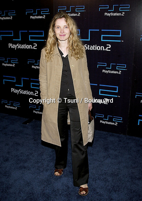Julie Delpy arriving at the PlayStation 2 E3 party at the American Legion in Los Angeles  5/15/2001 224_DelpyJulie05.JPG