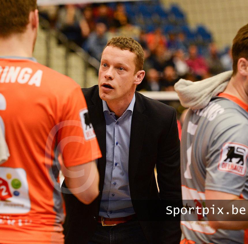 Volley Behappy2 Asse Lennik : coach Johan Devoghel <br /> foto VDB / BART VANDENBROUCKE
