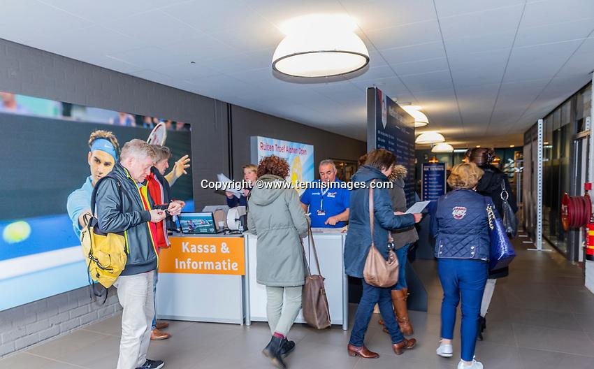 Alphen aan den Rijn, Netherlands, December 15, 2018, Tennispark Nieuwe Sloot, Ned. Loterij NK Tennis, Entree<br /> Photo: Tennisimages/Henk Koster