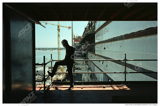 Construction of Queen Mary 2, Alstom Marine, Chantiers de l'Atlantique, Saint-Nazaire, France, June 2003.