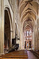 Europe/France/Aquitaine/64/Pyrénées-Atlantiques/Pays-Basque/Bayonne:  Cathédrale Sainte-Marie - Intérieur:  La Nef
