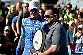Verizon IndyCar Series<br /> Indianapolis 500 Qualifying<br /> Indianapolis Motor Speedway, Indianapolis, IN USA<br /> Saturday 20 May 2017<br /> Scott Dixon, Chip Ganassi Racing Teams Honda is presented with the P1 trophy by Steven Williams of Verizon<br /> World Copyright: Scott R LePage<br /> LAT Images<br /> ref: Digital Image lepage-170521-indy-4992