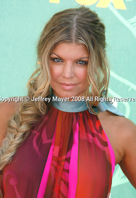 "Singer/Actress Stacy ""Fergie Ferguson arrives at the 2008 Teen Choice Awards at the Gibson Amphitheater on August 3, 2008 in Universal City, California."