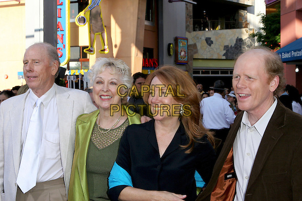 "RON HOWARD, WIFE & PARENTS.""Cinderella Man"" World Premiere held at The Gibson Amphitheatre, Universal City, California.May 23rd, 2005.Photo Credit: Jacqui Wong/AdMedia.half length married husband family mother father son .www.capitalpictures.com.sales@capitalpictures.com.© Capital Pictures."