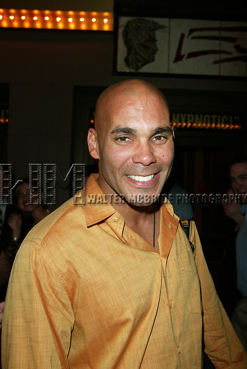 REAL ANDREWS  ( GENERAL HOSPITAL ).Walking on 49th Street in New York City..May 1, 2003.Credit Al Uses.© Walter McBride / , USA.